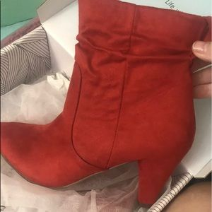 Chase + Chloe Shoes - New Sz 7 Chase & Chloe Red Short Boots